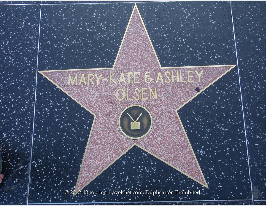 Mary Kate and Ashley Olsen star on Hollywood Walk of Fame