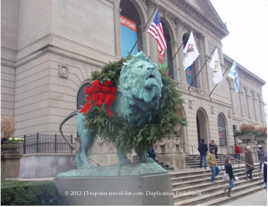 Art Institute of Chicago holiday decor