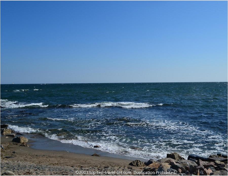Ocean views along 10 Mile Drive in Newport, RI