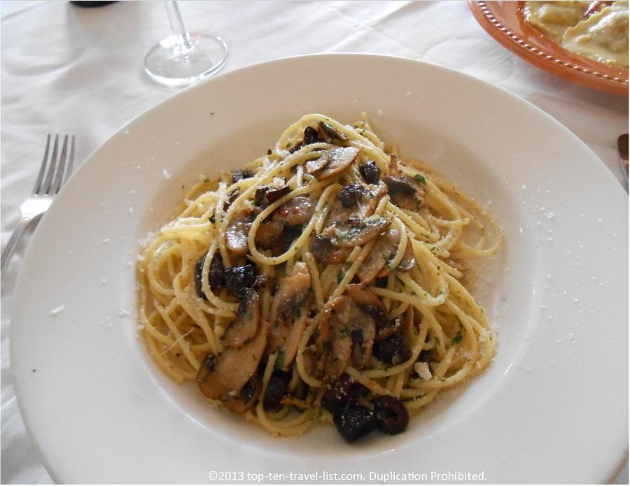 Spaghetti Aglio, Olio e Peperoncino at Mamma Luisa Ristorante in Newport, RI
