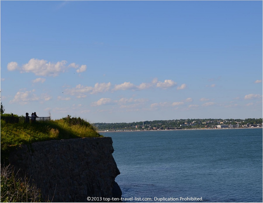 Scenic cliff views from Newport's CliffWalk