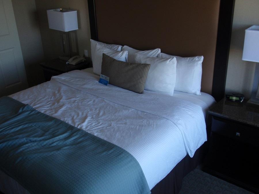 La Quinta Inn, Paso Robles, CA - hotel room