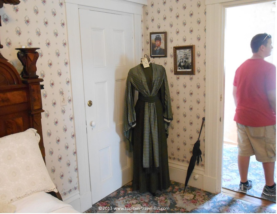 "Elizabeth Montgomery's dress from ""The Legend of Lizzie Borden"""