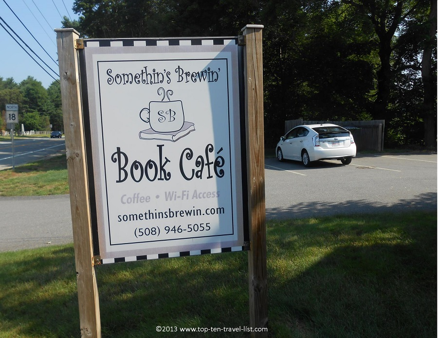 Somethin's Brewin' Book Cafe - Lakeville, MA