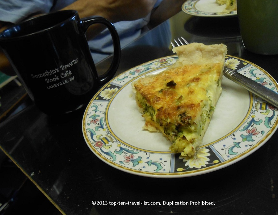 Quiche and coffee at Somethin's Brewin' Book Cafe - Lakeville, MA