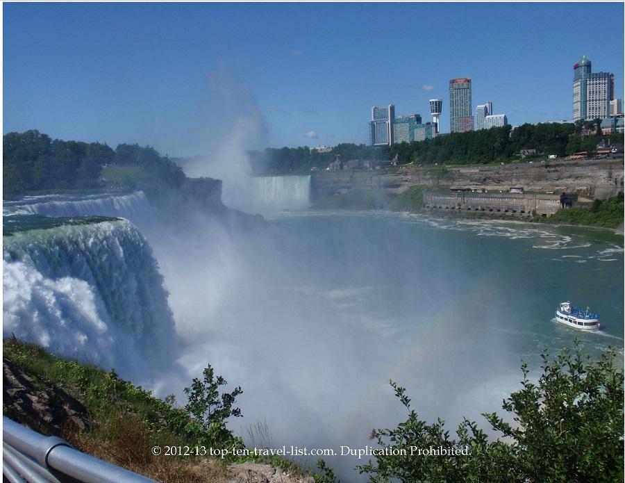 Niagara Falls scenery - Maid of Mist