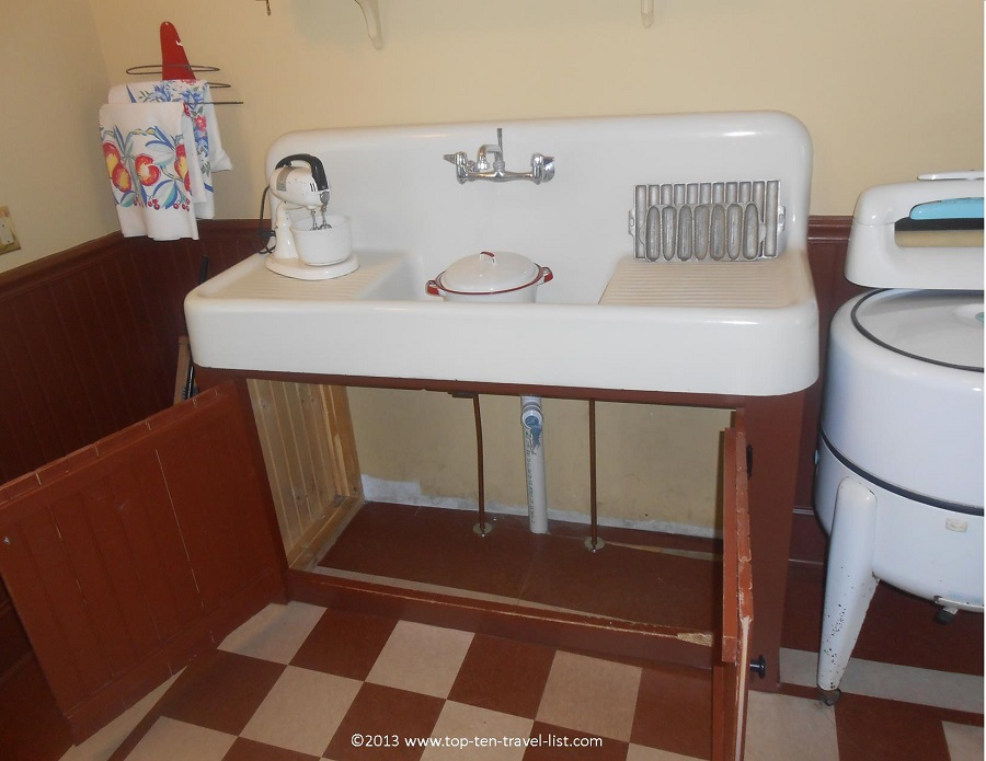 "Sink Randy hid under in ""A Christmas Story"""