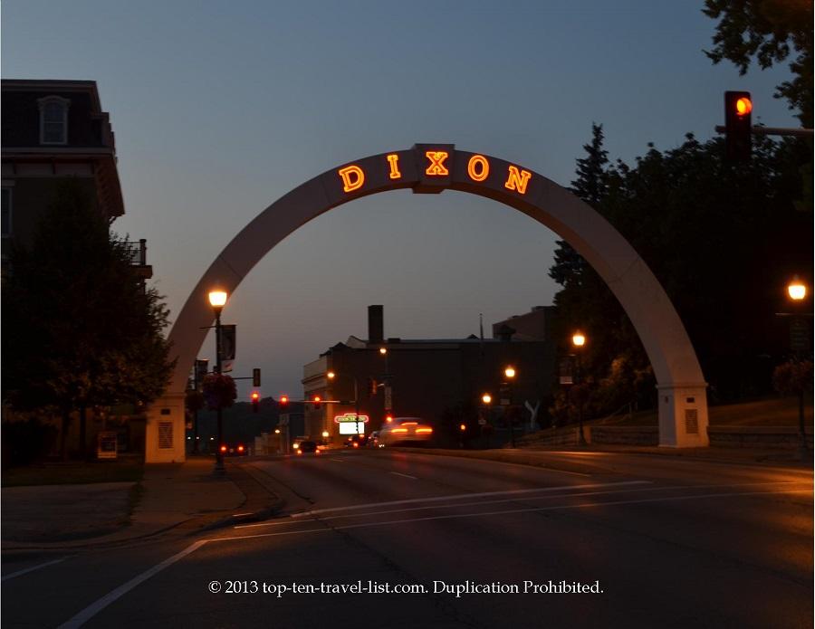 Dixon Memorial Arch - Dixon, IL