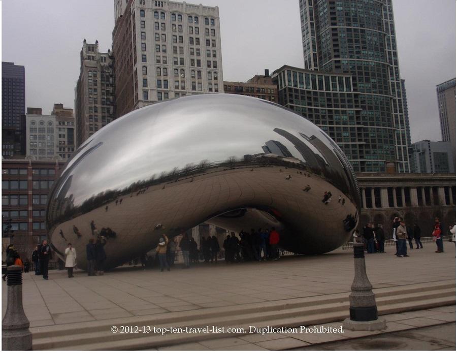 Cloud Gate sculpture at Millennium Park in Chicago, IL