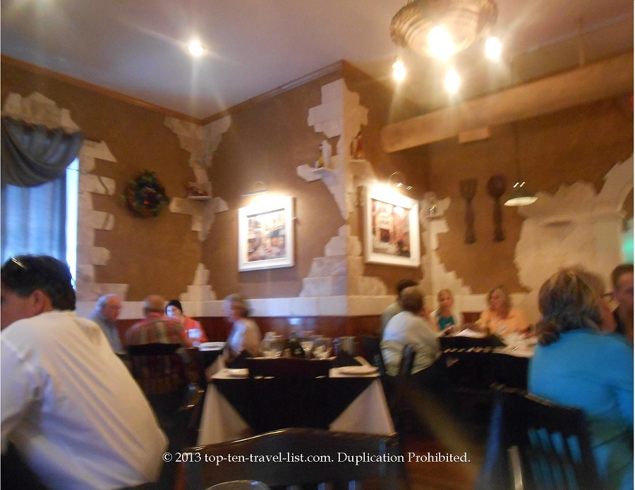 Dining room at Basil Tree in Dixon, IL
