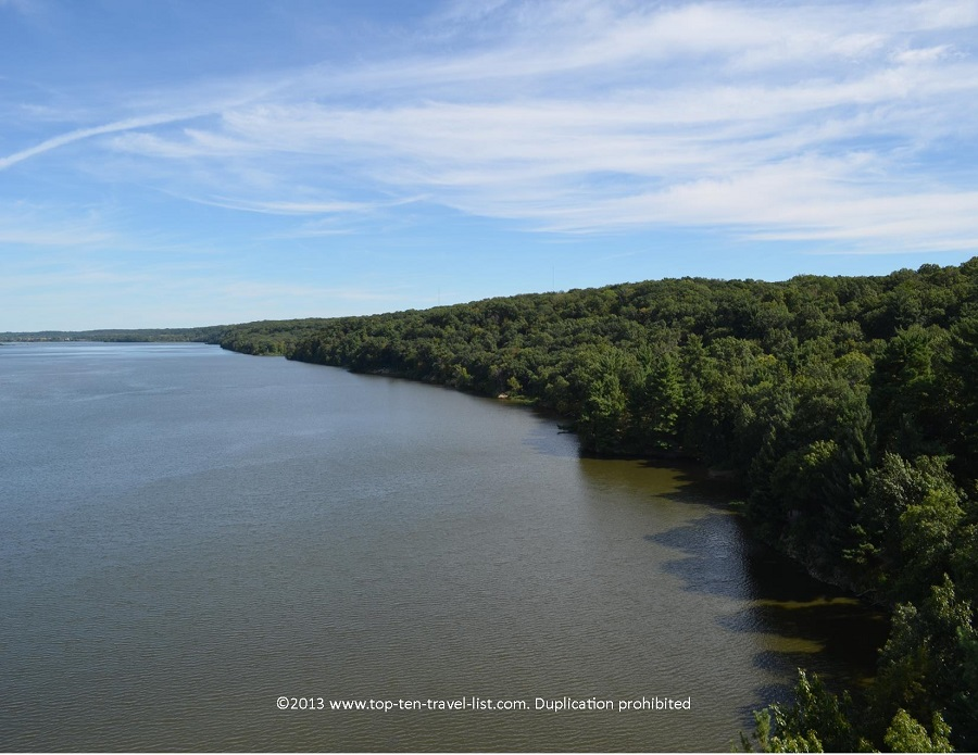 Pretty views of the Illinois River - from a Starved Rock observation deck
