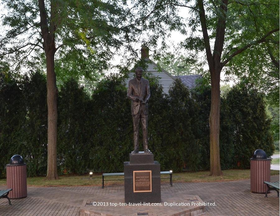Ronald Reagan statue in Dixon, Illinois