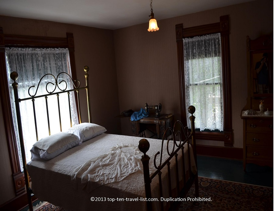 Guest bedroom at the Reagan house in Dixon, IL