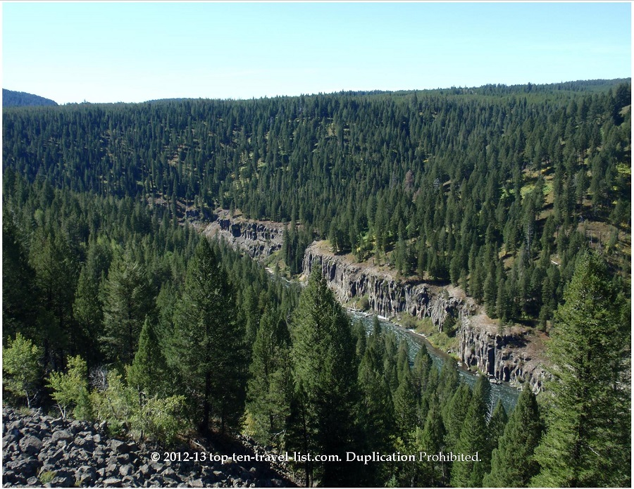 Mesa Falls - Idaho - View of the river