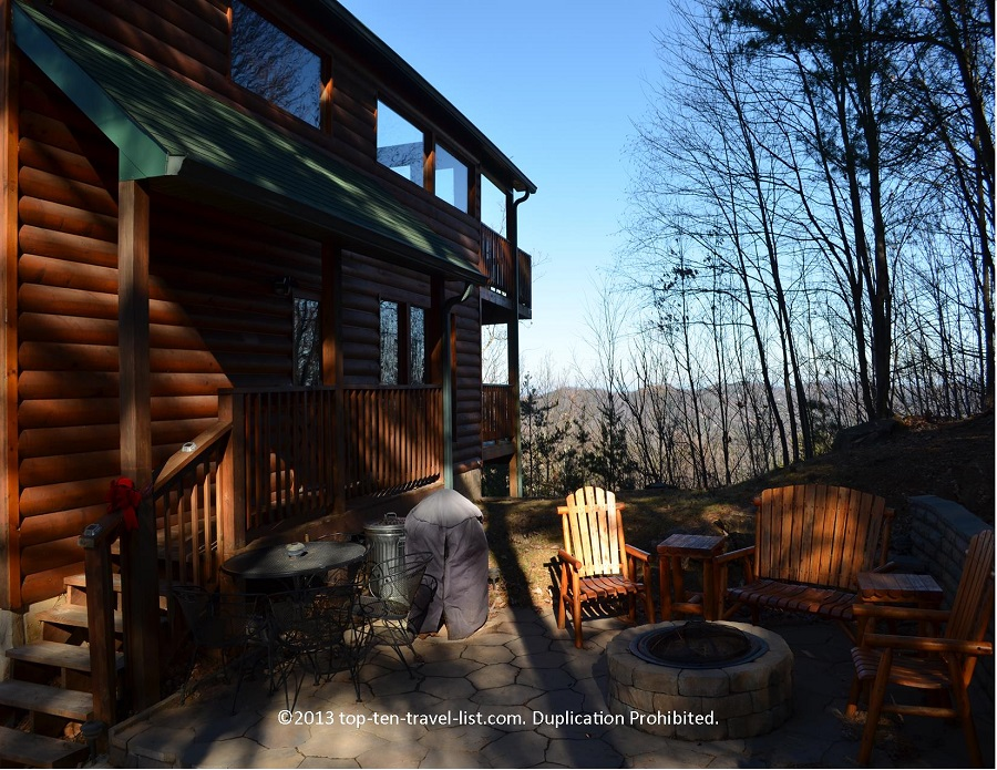 Outdoor firepit at Timber Top's Life's a Bear rental