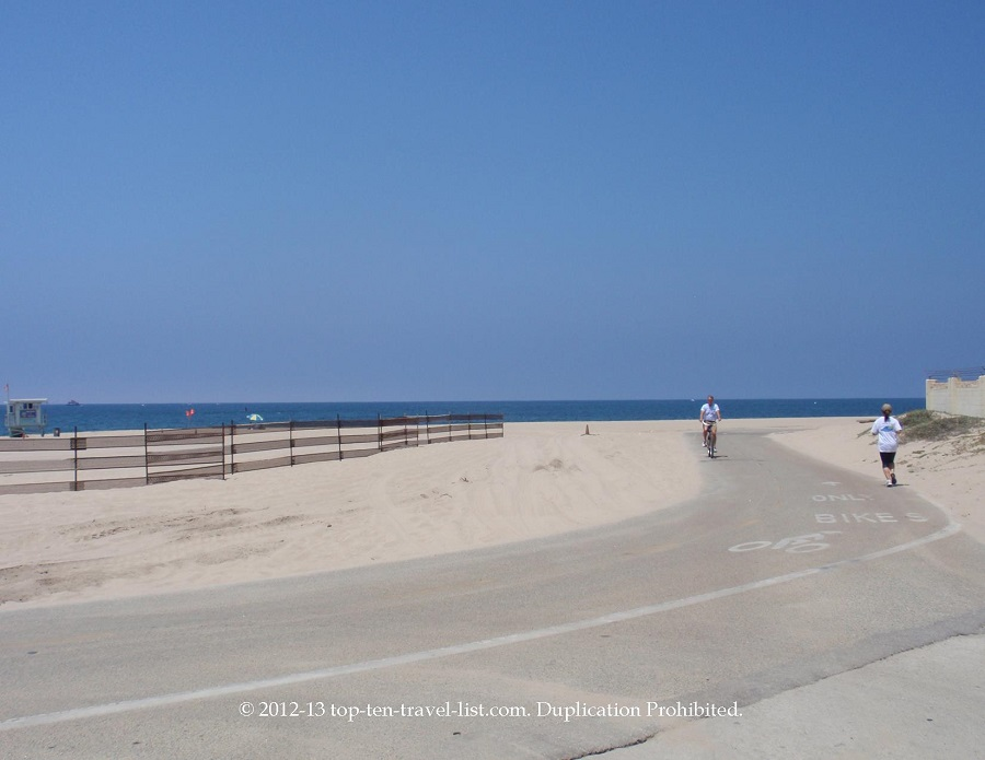 The Strand bike path in Los Angeles, CA