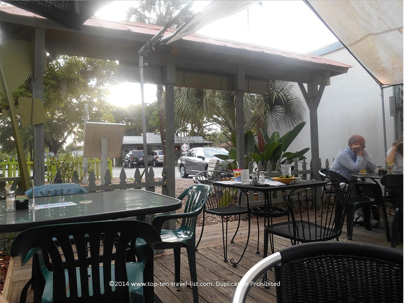 Ohana Cafe outdoor patio - Palm Harbor, Florida
