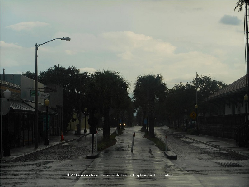 A rainy day on the Pinellas Trail - Tarpon Springs, Florida