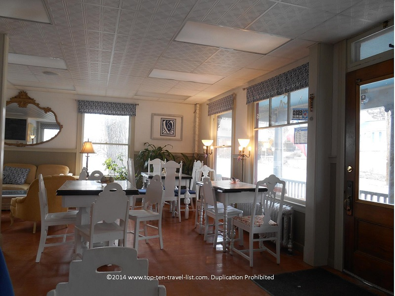 Dining room of V Organic Cafe in Upton, MA
