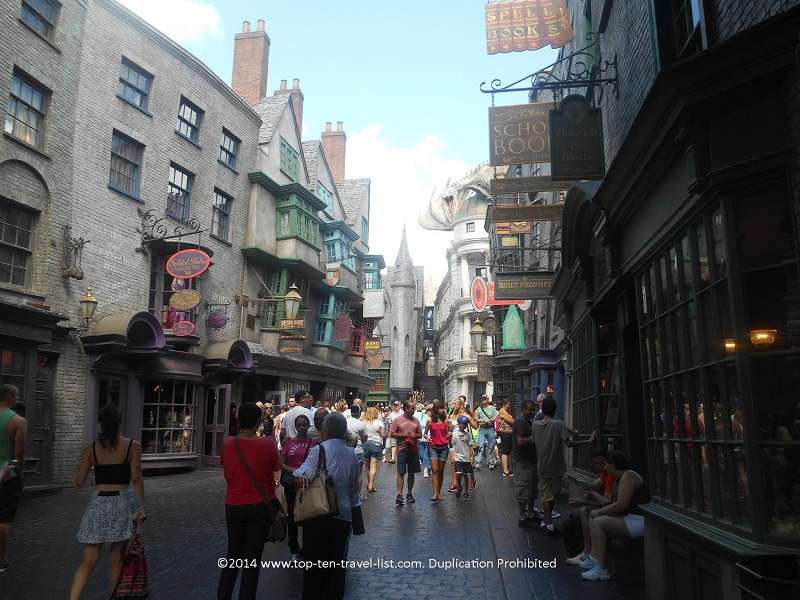 The cobblestone grounds of Diagon Alley get so slippery when it rains. So hard to walk in flip flops - this is why I recommend gym shoes during the summer storm season!