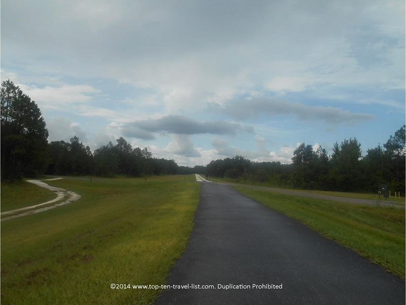 A cloudy day on Florida's Flatwoods Loop - Tampa's Flatwoods Park