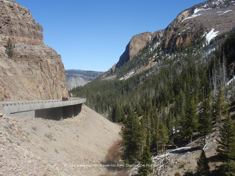 Scenic drive in Yellowstone National Park