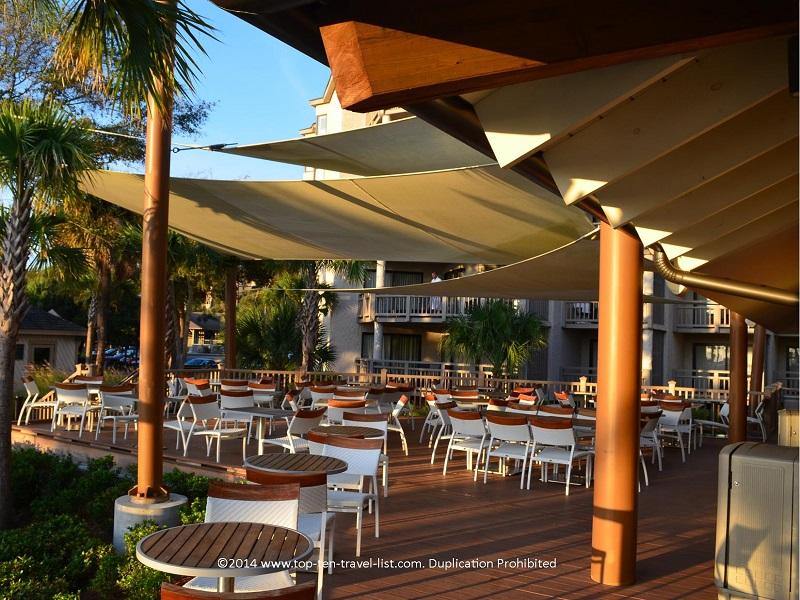Poolside bar - Omni Hilton Head Oceanfront Resort - Hilton Head Island, South Carolina