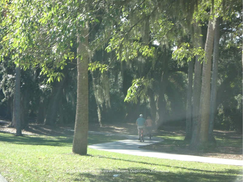 Biking on the Hilton Head Island trails near Omni Hilton Head Oceanfront Resort