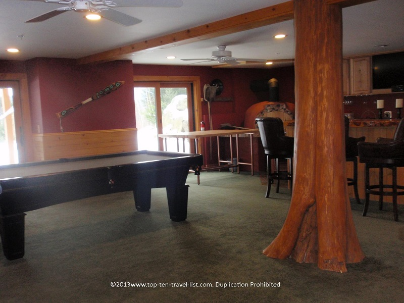 Pool table at Bear Mountain Lodge in New Hampshire