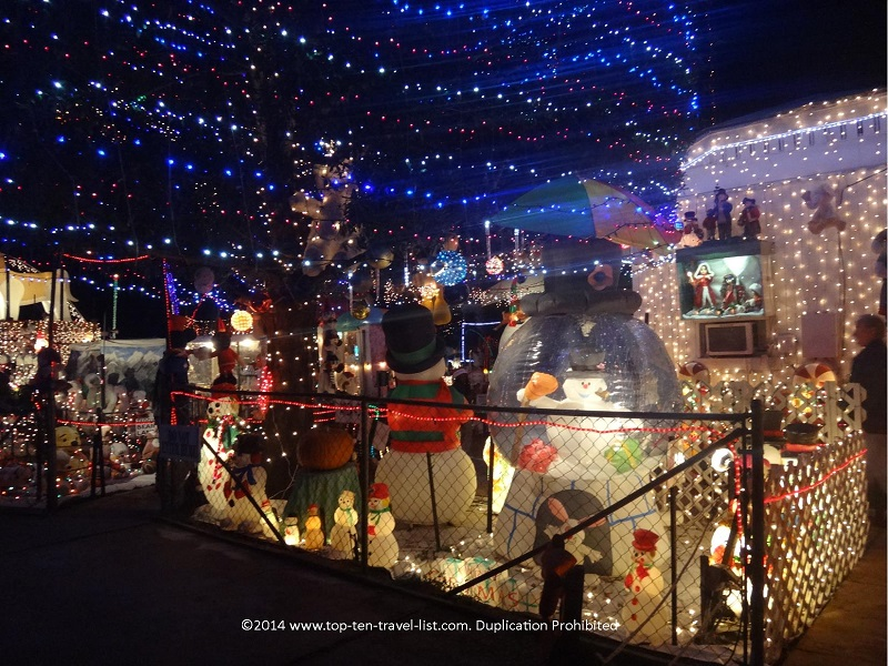 Oakdale house holiday lights in St. Petersburg, Florida