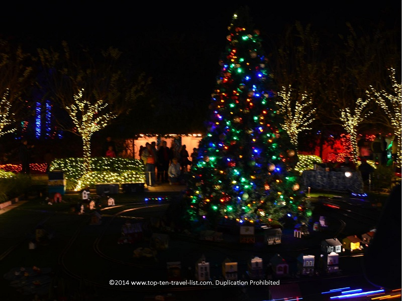 Attraction Of The Week: Florida Botanical Gardens Holiday