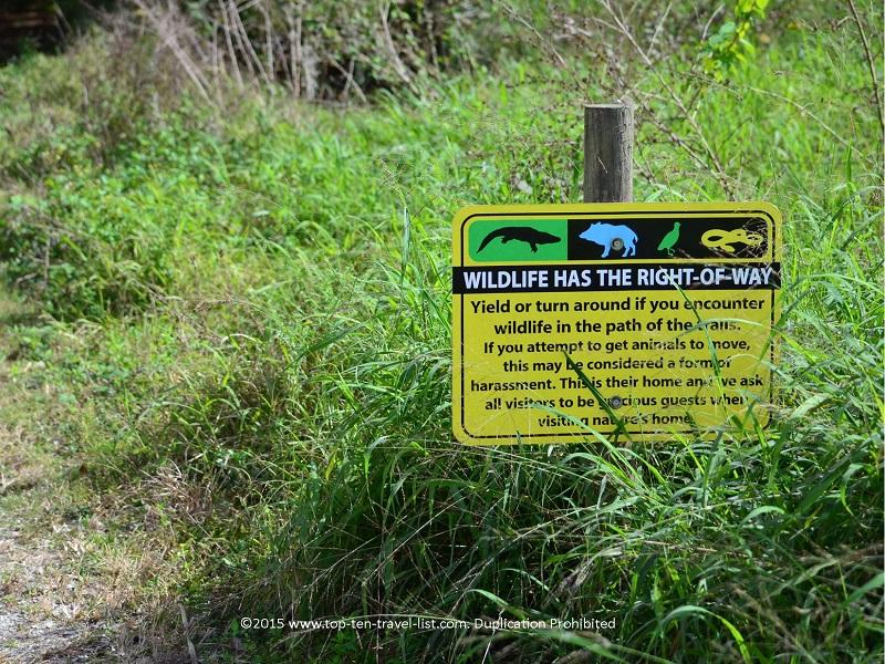 Wildlife crossing sign at Circle B Bar Reserve in Lakeland, Florida