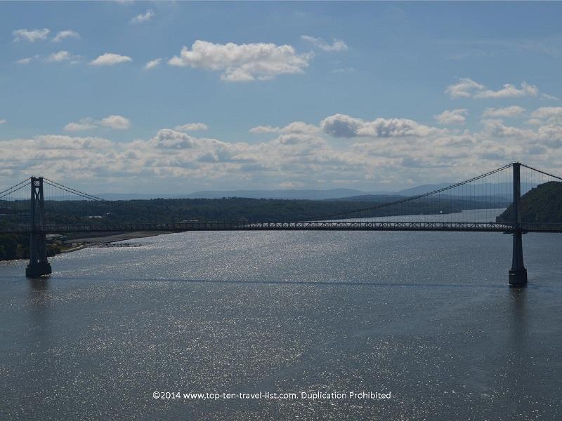 Wonderful bridge and mountain views from the walkway.