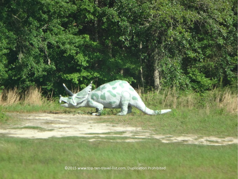 Dinosaur sculpture in Elberta, Alabama