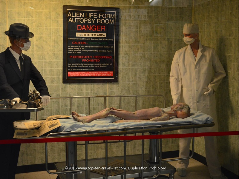 Alien autopsy exhibit at Roswell UFO Museum