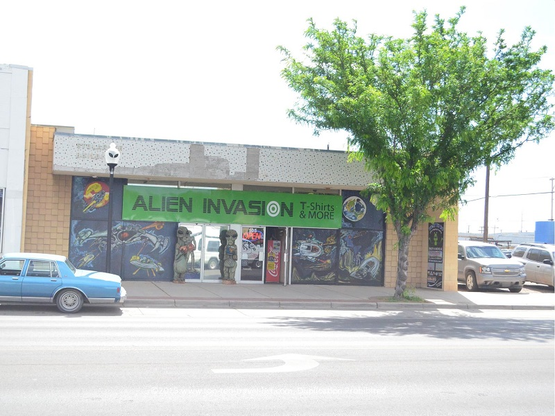 Alien Invasion gift shop in Roswell, New Mexico