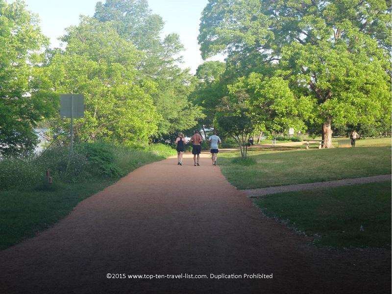 Runners enjoying Austin's beautiful Lady Bird Lake trail