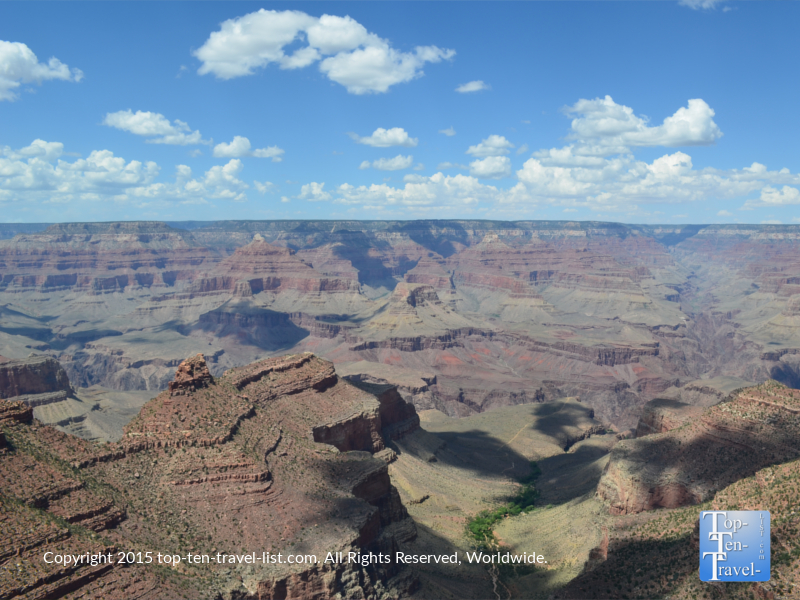 Beautiful views of the Grand Canyon from the Interpretative Trail of Time