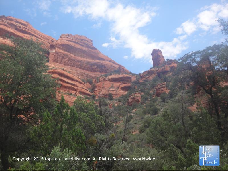 Gorgeous red rock views along the Fay Canyon hiking trail in Sedona, Arizona