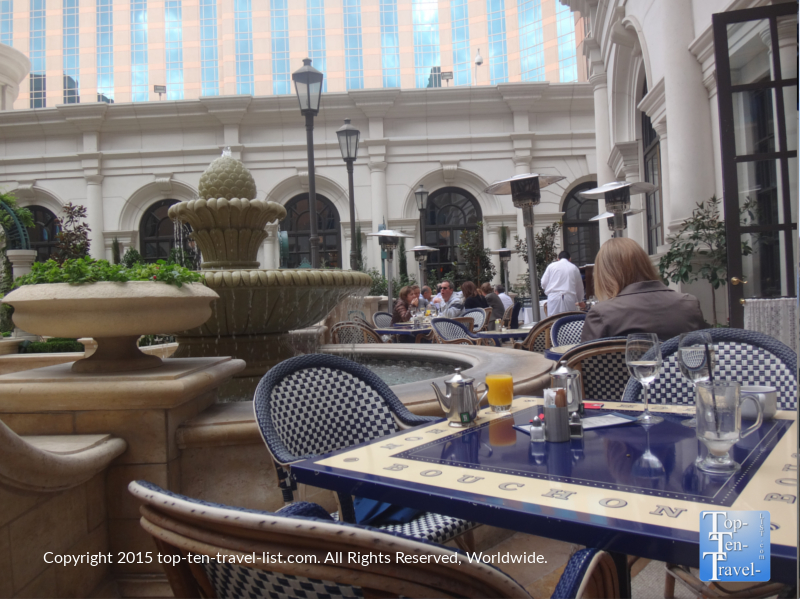 Outdoor seating at Bouchon The Venetian