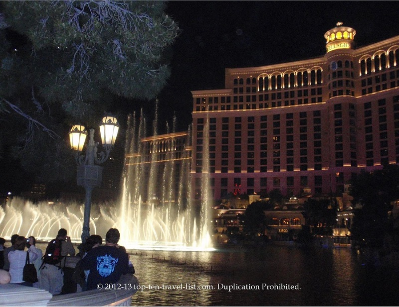 The beautiful Bellagio Fountain show on the Vegas Strip