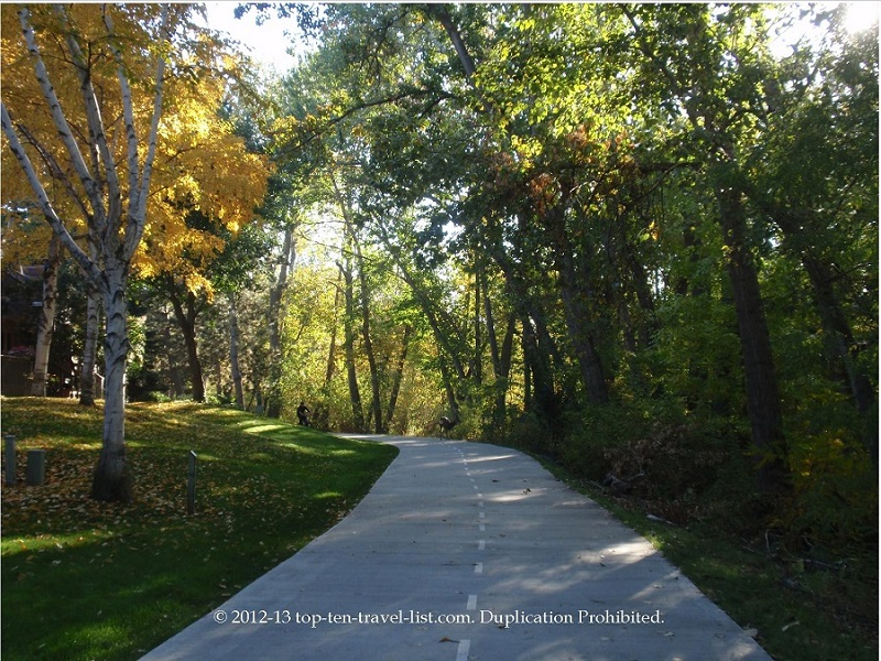 The beautiful Boise Greenbelt trail during the fall season