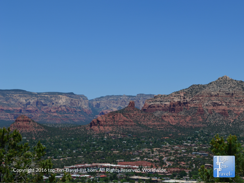 Breathtaking views fro the Sedona Airprot Mesa Overlook