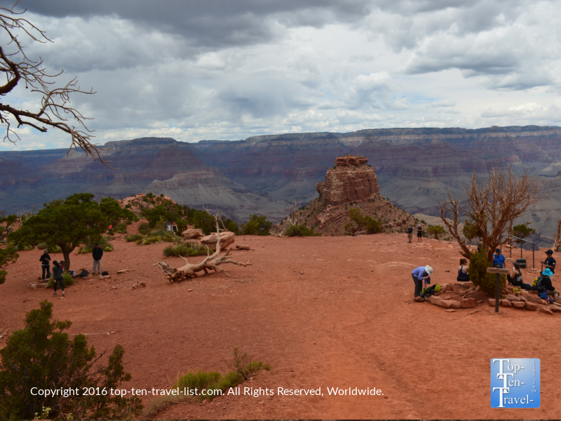 Cedar Ridge resting point on the Kalibab Trail - Grand Canyon