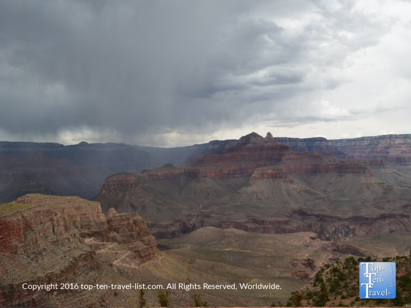 Overcast day along the Kalibab Trail at the Grand Canyon