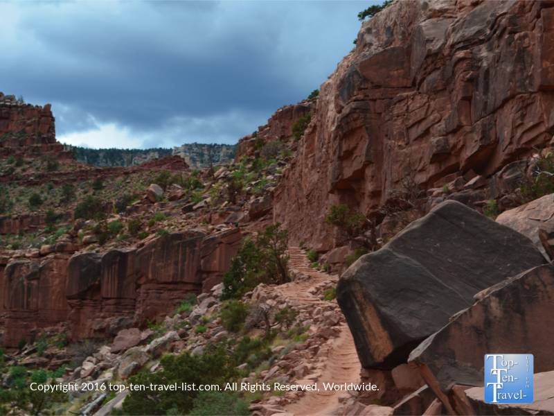 Steep uphill staircase along the Kalibab trail at the Grand Canyon