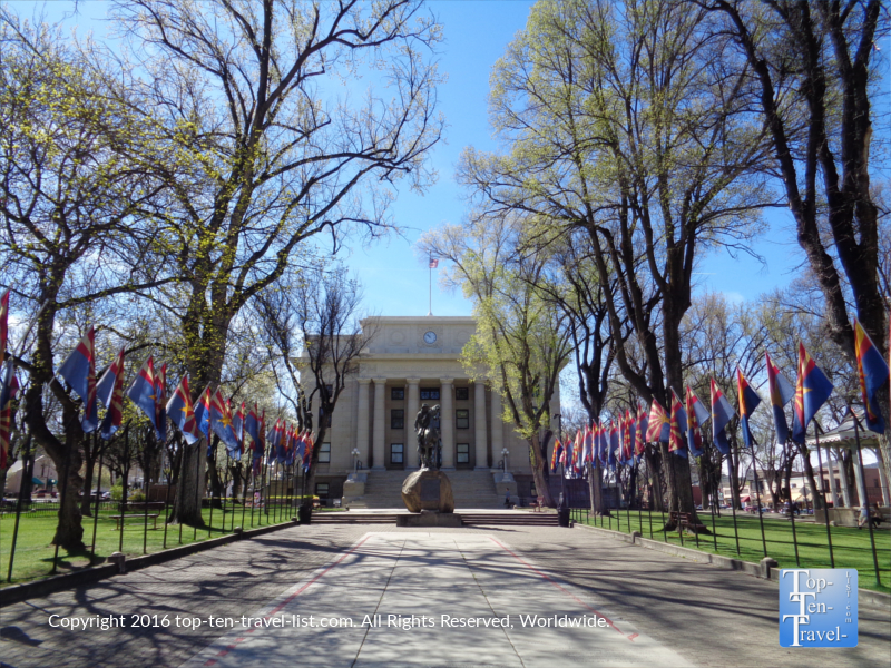 Spring at the Prescott, Arizona historic courthouse