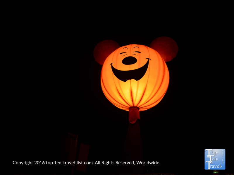 lit-up-mickey-halloween-decor-at-disneyland-magic-kingdom