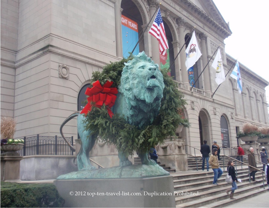 Lion dressed with a wreath for the holidays at The Art Institute of Chicago