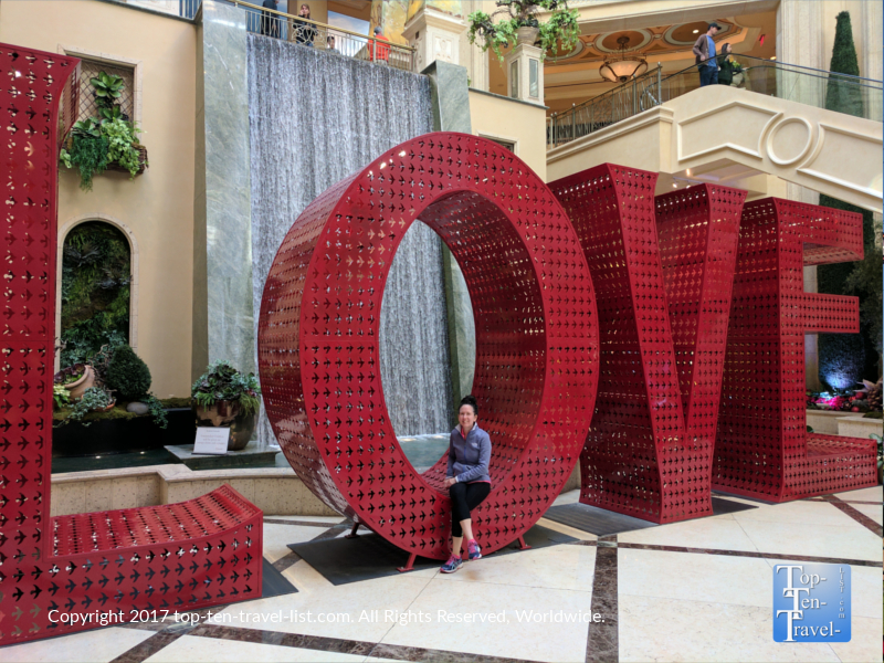 Beautiful Love display at the Palazzo in Vegas by artist Laura Kimpton